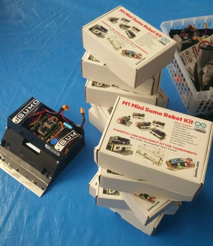 Mini sumo robots for Japan Highscools education
