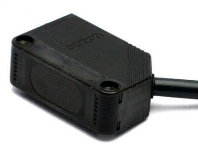 Omron - Omron E3Z-D82 Diffuse Type Reflective Sensor (1)
